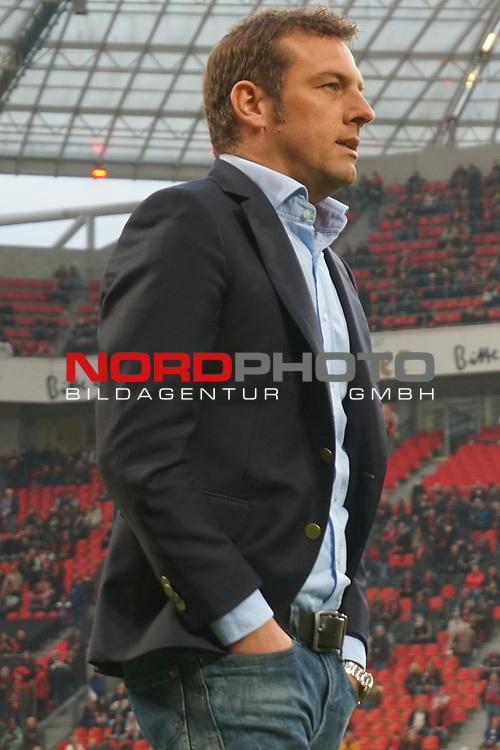 28.04.2017, BayArena, Leverkusen , GER, 1.FBL., Bayer Leverkusen 04 vs. FC Schalke 04<br /> im Bild / picture shows: <br /> Markus Weinzierl (Trainer FC Schalke 04) Hochformat,<br /> <br /> <br /> <br /> Foto &copy; nordphoto / Meuter