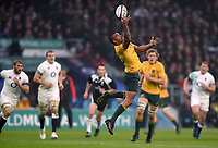 Kurtley Beale of Australia looks to claim the ball in the air. Old Mutual Wealth Series International match between England and Australia on November 18, 2017 at Twickenham Stadium in London, England. Photo by: Patrick Khachfe / Onside Images