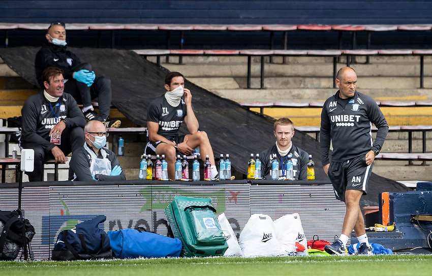 Preston North End's manager Alex Neil (right) looks on<br /> <br /> Photographer Andrew Kearns/CameraSport<br /> <br /> The EFL Sky Bet Championship - Luton Town v Preston North End - Saturday 20th June 2020 - Kenilworth Road - Luton<br /> <br /> World Copyright © 2020 CameraSport. All rights reserved. 43 Linden Ave. Countesthorpe. Leicester. England. LE8 5PG - Tel: +44 (0) 116 277 4147 - admin@camerasport.com - www.camerasport.com