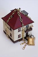 Casa protetta da sistemi antifurto.House protected by alarm systems....
