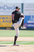 Stuart Holmes (28) of the Vancouver Canadians delivers a pitch during a game against the Everett Aquasox at Everett Memorial Stadium in Everett, Washington on July 28, 2015.  Everett defeated Vancouver 8-5. (Ronnie Allen/Four Seam Images)