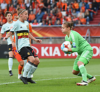 20170724 - TILBURG , NETHERLANDS : Belgian Justien Odeurs (R) and Laura Deloose (L)  pictured during the female soccer game between Belgium and The Netherlands  , the thirth game in group A at the Women's Euro 2017 , European Championship in The Netherlands 2017 , Monday 24 th June 2017 at Stadion Koning Willem II  in Tilburg , The Netherlands PHOTO SPORTPIX.BE | DIRK VUYLSTEKE
