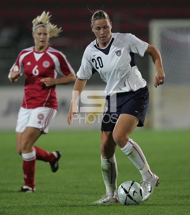 Oct 29, 2006: Kimhae, South Korea:  Abby Wambach