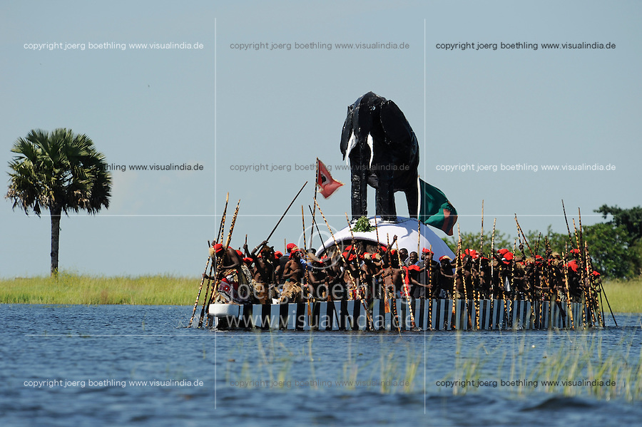 Africa ZAMBIA Barotseland , Zambezi floodplain , Kuomboka ceremony in Lealui, the Lozi king Lubosi Imwiko II. also called Litunga, change his residence after raining time with the royal bark Nalikwanda  from Lealui to his palace in Limulunga
