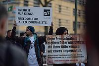 Protest  am Dienstag den 28. Februar 2017 vor der tuerkischen Botschaft in Berlin gegen die Inhaftierung des deutschen Journalisten Deniz Yuecel in der Tuerkei.<br /> 28.2.2017, Berlin<br /> Copyright: Christian-Ditsch.de<br /> [Inhaltsveraendernde Manipulation des Fotos nur nach ausdruecklicher Genehmigung des Fotografen. Vereinbarungen ueber Abtretung von Persoenlichkeitsrechten/Model Release der abgebildeten Person/Personen liegen nicht vor. NO MODEL RELEASE! Nur fuer Redaktionelle Zwecke. Don't publish without copyright Christian-Ditsch.de, Veroeffentlichung nur mit Fotografennennung, sowie gegen Honorar, MwSt. und Beleg. Konto: I N G - D i B a, IBAN DE58500105175400192269, BIC INGDDEFFXXX, Kontakt: post@christian-ditsch.de<br /> Bei der Bearbeitung der Dateiinformationen darf die Urheberkennzeichnung in den EXIF- und  IPTC-Daten nicht entfernt werden, diese sind in digitalen Medien nach §95c UrhG rechtlich geschuetzt. Der Urhebervermerk wird gemaess §13 UrhG verlangt.]