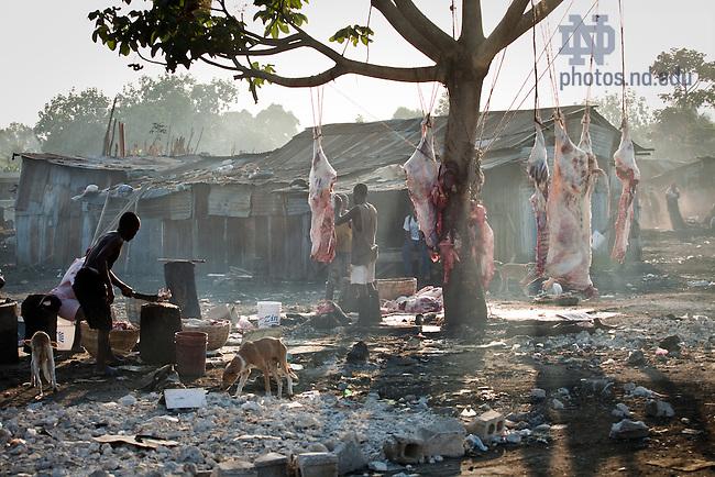 Open-air market in Leogane, Haiti..Photo by Matt Cashore/University of Notre Dame