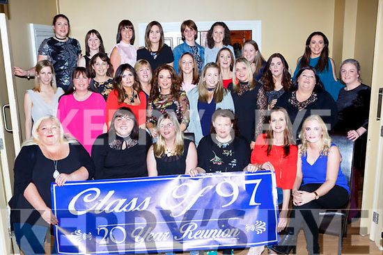 Fromer pupils of  Castleisland Presentation class of 1997 held their class reunion in the Crown Hotel on Saturday night