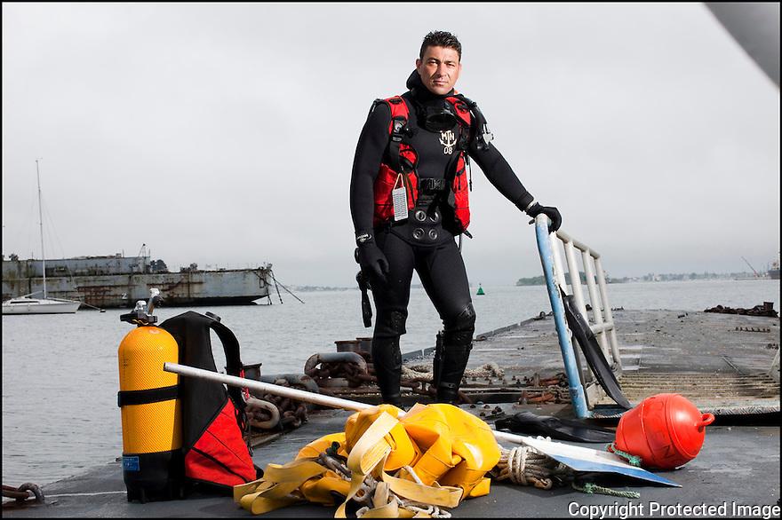Juin 2010, Commandos Marine.<br /> ENSEIGNE DE VAISSEAU GW&Eacute;NAEL<br /> KERMABON, DIT &laquo; K&Eacute;K&Eacute; &raquo;.