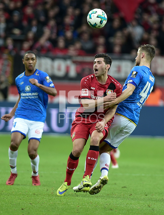 Football : Germany -1. Bundesliga  2017/18 <br /> Bayer Leverkusen 04 vs Mainz <br /> 28/01/2018 - Kevin Volland (Bayer 04 Leverkusen), Alexander Hack (FSV Mainz 05) *** Local Caption *** &copy; pixathlon<br /> Contact: +49-40-22 63 02 60 , info@pixathlon.de