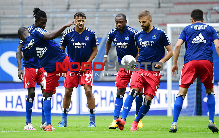 v.l. Khaled Narey, Bakery Jatta, Josha Vagnoman, David Kinsombi, Lukas Hinterseer, Christoph Moritz (HSV)<br />