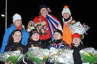 SCHAATSEN: ALTEVEER: IJsclub Alteveer, 22-01-2013, NK Kortebaanschaatsen dames, Bo van der Werff (3), Leslie Koen (1), Bente van den Berge (2), voor vlnr: Steffi Wubben, Myrthe Brommer, Moniek Klijnstra, Kirsten Velzenboer, ©foto Martin de Jong