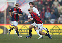 Inter's Maxwell and Bologna's Francesco Valiani during their italian serie A soccer match at Dall'Ara Stadium in Bologna , Italy , February 21 , 2009 - Photo: Prater/Insidefoto ©