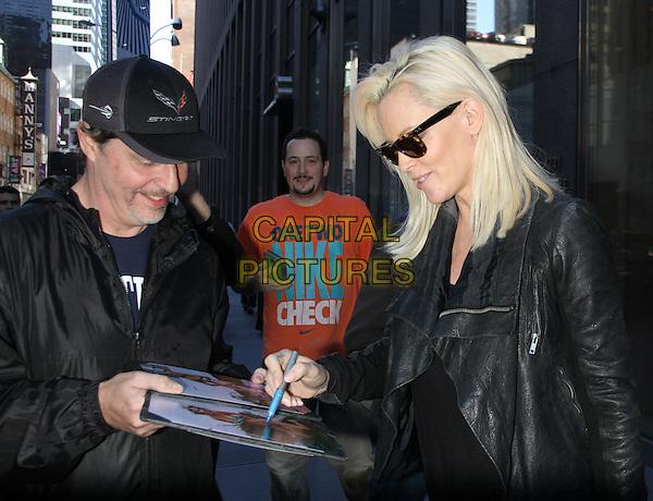 NEW YORK, NY - NOVEMBER 4: Jenny McCarthy seen in New York City on November 4, 2015. <br /> CAP/MPI/RW<br /> &copy;RW/MPI/Capital Pictures