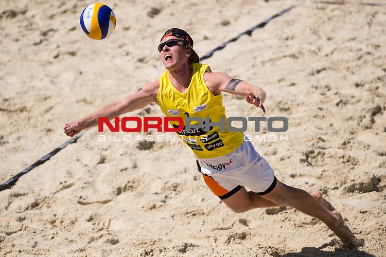 10.05.2015, Muenster, Schlossplatz<br /> smart beach tour, Supercup MŸnster / Muenster, Halbfinale<br /> <br /> Abwehr Thomas Kaczmarek<br /> <br />   Foto &copy; nordphoto / Kurth