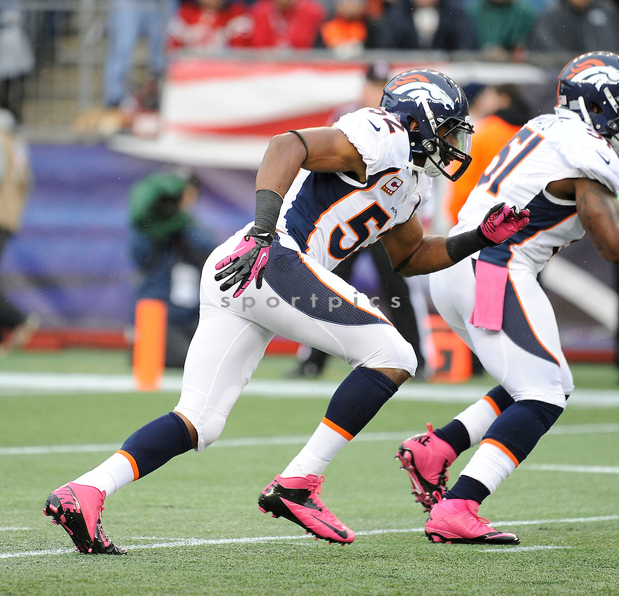 Denver Broncos Wesley Woodyard (52) in action during a game against the New England Patriots on October 7, 2012 at Gillette Stadium in Foxboro, MA. The Patriots beat the Broncos 31-21.