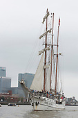 London, UK. 7 September 2014. Tall ship Loth Lorien near Canary Wharf.  Tall ships travelling between Woolwich and Maritime Greenwich on the River Thames. The Royal Greenwich Tall Ships Festival 2014 will culminate with a Parade of Sail on the River Thames from Greenwich with fifty tall ships taking part. Photo: Bettina Strenske
