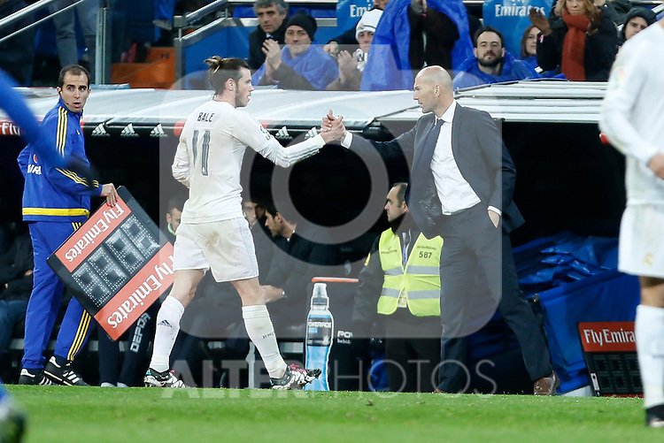 Real Madrid´s new coach Zinedine Zidane greets Gareth Bale during 2015/16 La Liga match between Real Madrid and Deportivo de la Coruna at Santiago Bernabeu stadium in Madrid, Spain. January 09, 2015. (ALTERPHOTOS/Victor Blanco)