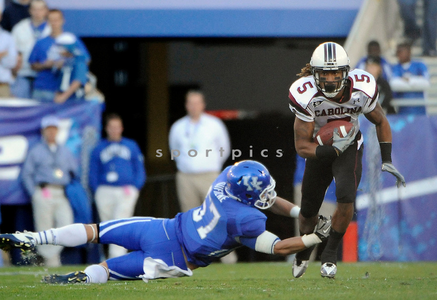 STEPHON GILMORE, of South Carolina,  in action during the their game against Kentucky  on October 16, 2010 at Memorial Stadiium in Bloomington...Kentucky beats South Carolina 31-28