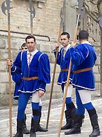 ITA, Italien, Marken, Dorf Monterubbiano mit historischem Ortskern: Volksfest | ITA, Italy, Marche, village Monterubbiano with historic centre: folk festival