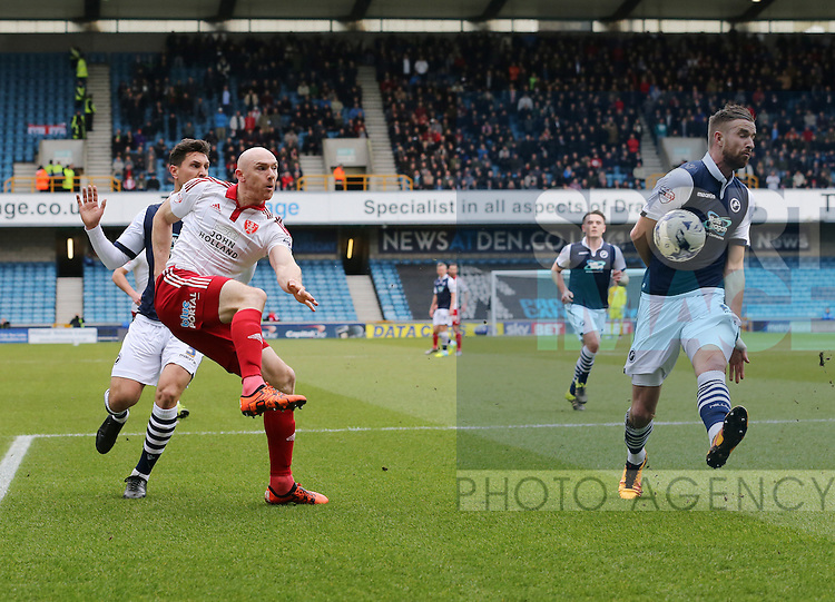 Sheffield United's Conor Sammon fires in a shot during the League One match at The Den.  Photo credit should read: David Klein/Sportimage