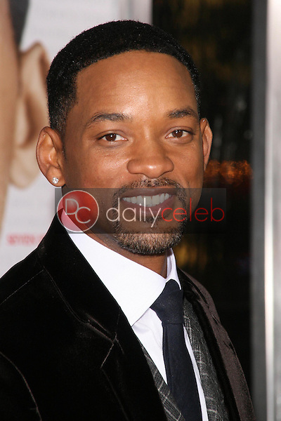 Will Smith <br /> at the Los Angeles Premiere of 'Seven Pounds'. Mann Village Theatre, Westwood, CA. 12-16-08<br /> Dave Edwards/DailyCeleb.com 818-249-4998