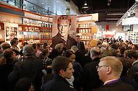 Grosser Andrang beim Besuch von Arnold Schwarzenegger auf der Buchmesse