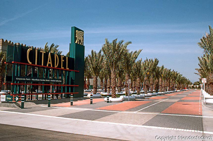 Los Angeles: Sampson Tyre--now (1991) The Citadel--Grand Entrance. Photo '91.