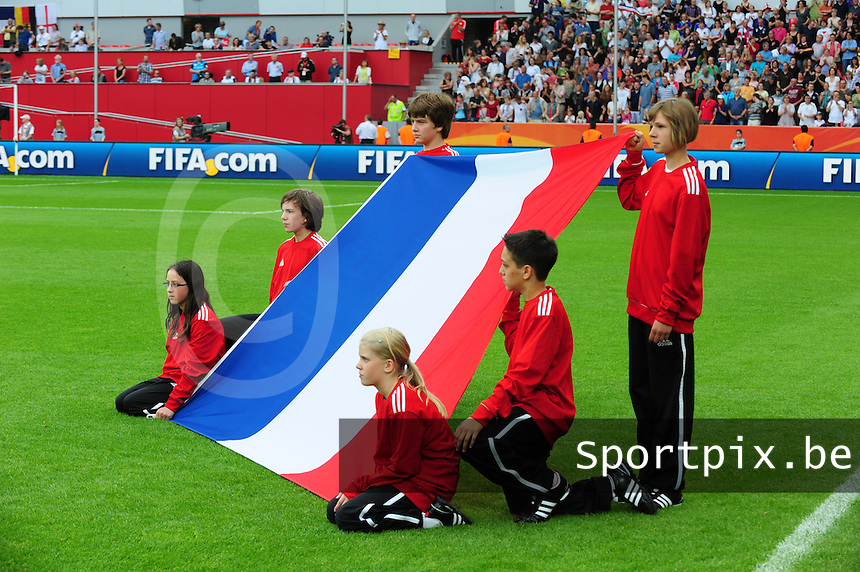 Fifa Women's World Cup Germany 2011 : England - France - at Leverkusen : French Flag , Franse Vlag.foto DAVID CATRY / Vrouwenteam.be