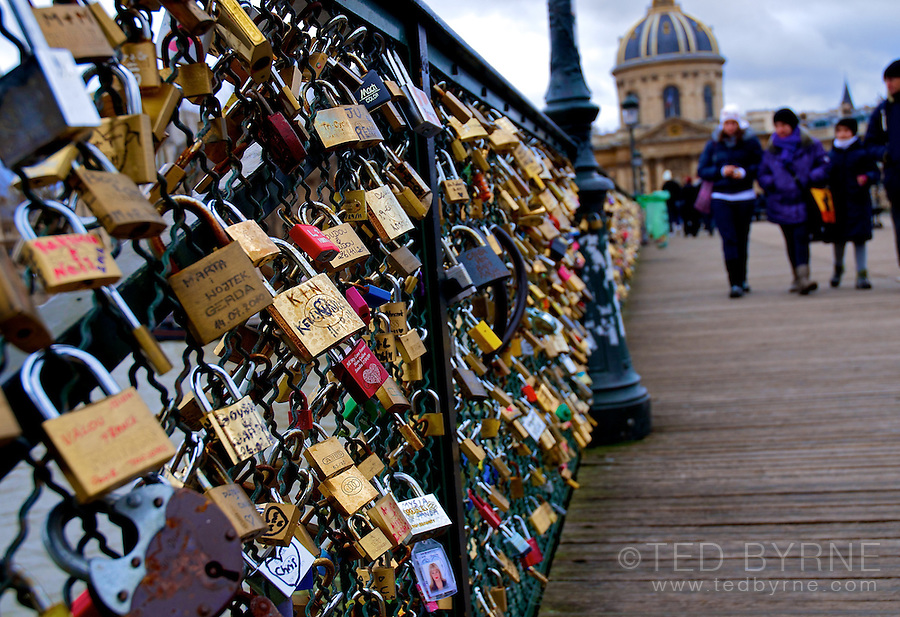 Love padlocks on the Pont des Arts