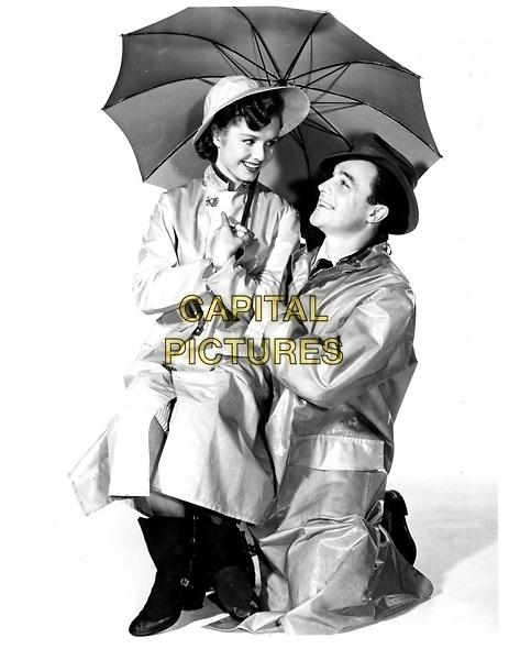 DEBBIE REYNOLDS & GENE KELLY.in Singing in The Rain.Filmstill - Editorial Use Only.Ref: FB.www.capitalpictures.com.sales@capitalpictures.com.Supplied by Capital Pictures
