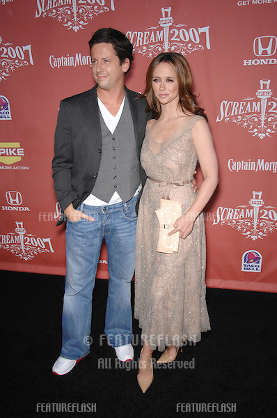 "Jennifer Love Hewitt & date at Spike TV's ""Scream 2007"" Awards honoring the best in horror, sci-fi, fantasy & comic genres, at the Greak Theatre, Hollywood..October 20, 2007  Los Angeles, CA.Picture: Paul Smith / Featureflash"