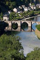 Europe/France/Midi-Pyrénées/12/Aveyron/Entraygues-sur-Truyère: Pont gothique sur la Truyère - XIIIème siècle
