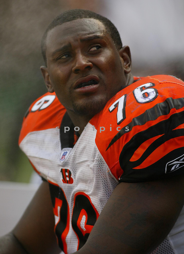 Levi Jones, of the Cincinnati Bengals, during their game against the Minnesota Vikings on September 18, 2005...Bengals win 37-8..Kevin Tanaka / SportPics