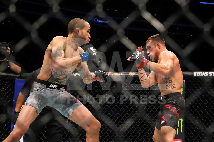BOSTON, EUA, 18.10.2019 - UFC-BOSTON - Lutadores Kyle Bochniak (vermelho) e Sean Woodson (azul) durante UFC Fight Night no Td Garden em Boston no Estado de Massachusetts nos Estados Unidos na noite desta sexta-feira, 18. (Foto: Vanessa Carvalho/Brazil Photo Press/Folhapress)