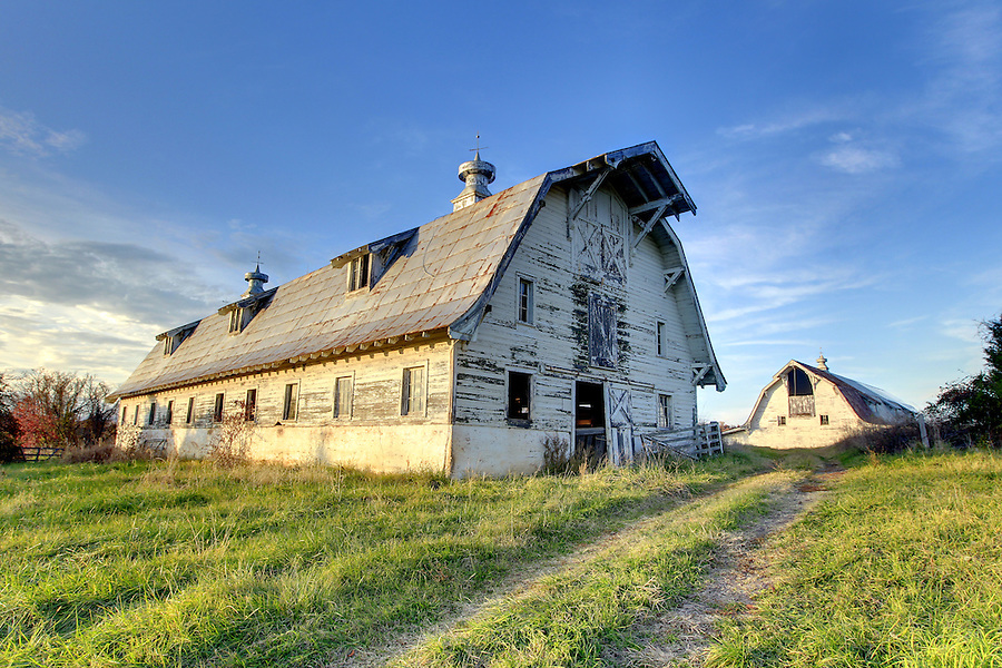 Old barn in Albemarle County, VA. Photo/Andrew Shurtleff