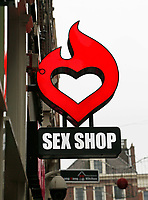Nederland - Amsterdam 2018.  Sex shop op de Wallen.   Foto Berlinda van Dam / Hollandse Hoogte