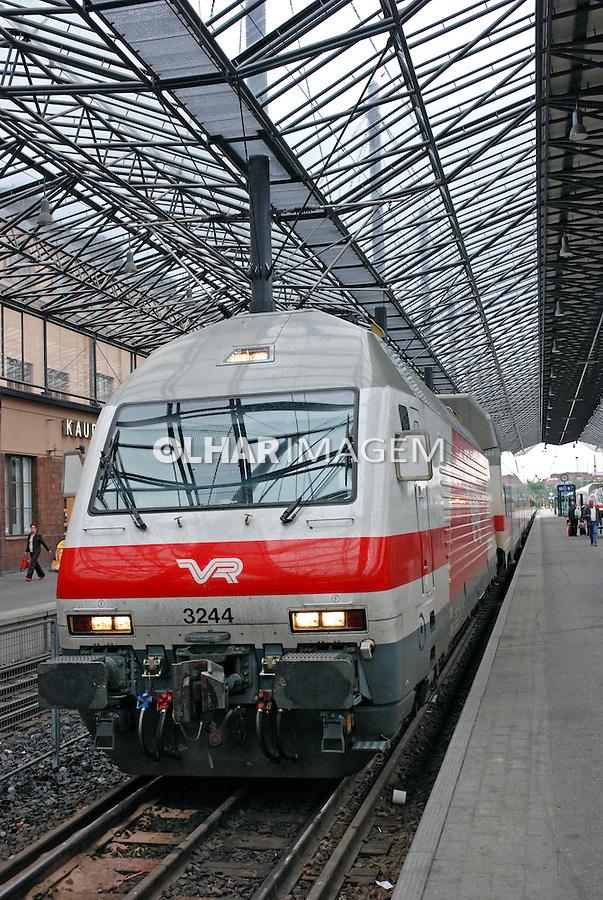 Estação ferroviária de Helsinki. Finlândia. 2007. Foto de Vinicius Romanini.