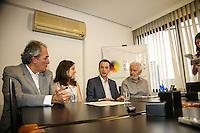 ATENÇÃO EDITOR: FOTO EMBARGADA PARA VEÍCULOS INTERNACIONAIS. - SAO PAULO, SP, 19 DE SETEMBRO 2012 - ELEIÇÕES 2012 -  CELSO RUSSUMANO - O candidato do PRB a prefeitura Celso Russumano assina carta de compromisso no instituto ETHOS da Cidades Sustentaveis, nesta quarta-feira, 19. <br /> (FOTO: PADUARDO / BRAZIL PHOTO PRESS).