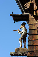 Nebelhorn Holzschnitzerei in Oberstdorf im Allg&auml;u, Bayern, Deutschland<br /> Nebelhorn carving workshop in Oberstdorf, Allg&auml;u, Bavaria,  Germany