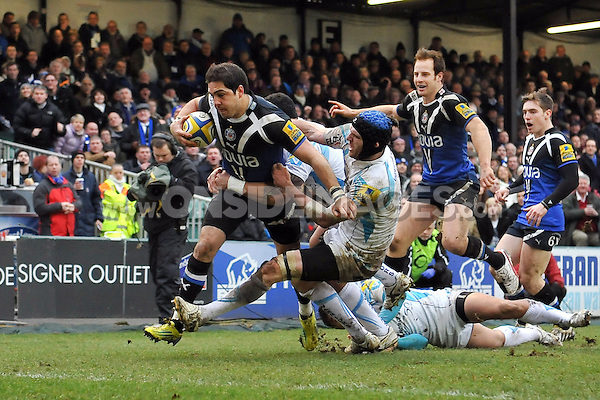 Horacio Agulla charges towards the try-line. Aviva Premiership match, between Bath Rugby and Worcester Warriors on February 9, 2013 at the Recreation Ground in Bath, England. Photo by: Patrick Khachfe / Onside Images