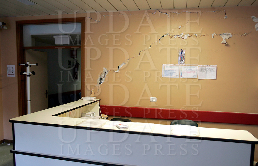 L'interno dell'ospedale dell'Aquila, 8 giugno 2009, poco piu' di due mesi dopo il sisma che ha sconvolto l'Abruzzo..Interior of L'Aquila's hospital, 8 june 2009, about 2 months after the earthquake that hit the Abruzzo region in central Italy..UPDATE IMAGES PRESS/Riccardo De Luca