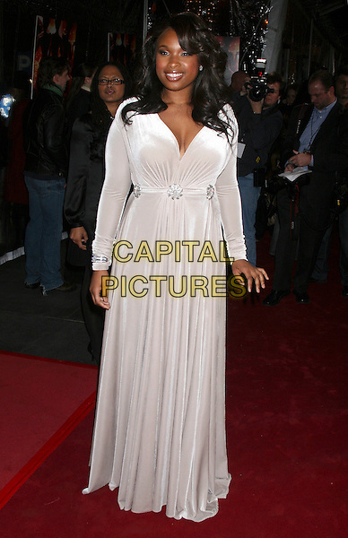 "JENNIFER HUDSON.The ""Dreamgirls"" premiere at the Ziegfeld Theatre in New York City, NY, USA..December 4th, 2006.full length white dress .CAP/IW.©Ian Wilson/Capital Pictures"
