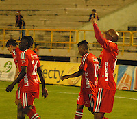 TUNJA - COLOMBIA -13 -03-2014: Los jugador de Patriotas FC, celebran el gol anotado al Deportivo Independiente Medellin,   durante partido por la decima fecha  de la Liga Postobon I-2014, jugado en el estadio La Independencia de la ciudad de Tunja. / The players of Patriotas FC celebrate a goal scored to Deportivo Independiente Medellin,  during a match for the tenth date of the Liga Postobon I-2014 at the La Independencia  stadium in Tunja city, Photo: VizzorImage  / Jose M. Palencia / Str. (Best quality available)