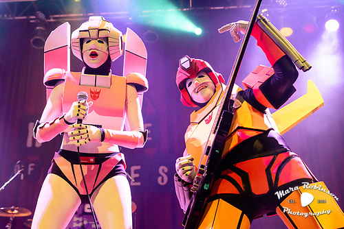 The Cybertronic Spree live at Cleveland House of Blues. Concert photography by Cleveland music photographer Mara Robinson