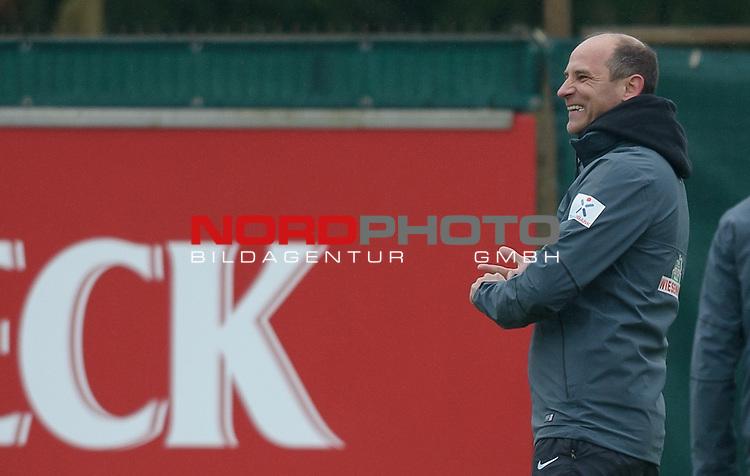 20.02.2015, Trainingsgelaende, Bremen, GER, 1.FBL, Training Werder Bremen, im Bild Viktor Skripnik (Trainer Werder Bremen)<br /> <br /> Foto &copy; nordphoto / Frisch