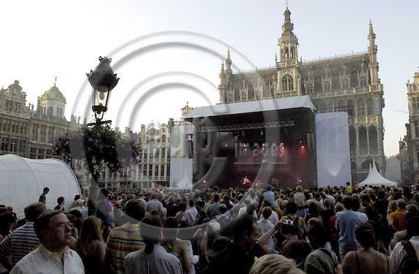 Brussels-Belgium - 01 July 2006---Finnish rock bands MELROSE and APOCALYPTICA set the Grand Place of Brussels under vibrations, to mark the start of the Finnish EU-Presidency---Photo: Horst Wagner/eup-images
