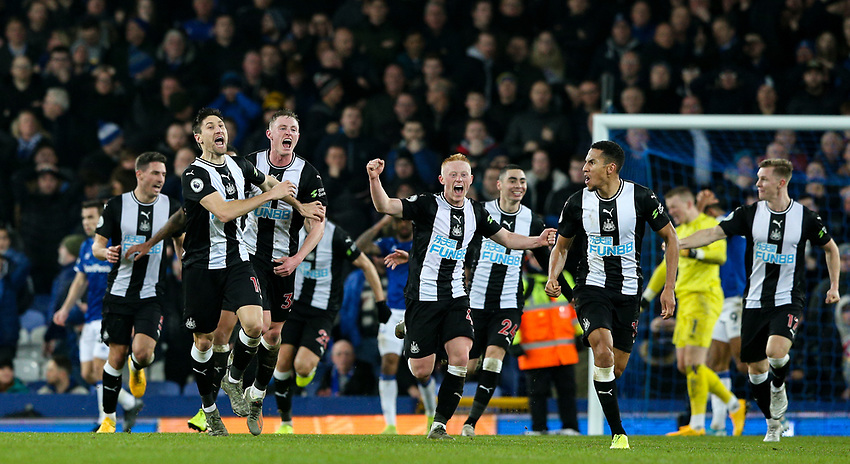 Newcastle United players celebrate their equalising goal<br /> <br /> Photographer Alex Dodd/CameraSport<br /> <br /> The Premier League - Everton v Newcastle United  - Tuesday 21st January 2020 - Goodison Park - Liverpool<br /> <br /> World Copyright © 2020 CameraSport. All rights reserved. 43 Linden Ave. Countesthorpe. Leicester. England. LE8 5PG - Tel: +44 (0) 116 277 4147 - admin@camerasport.com - www.camerasport.com