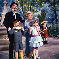 Mary Poppins (1964)<br /> Glynis Johns<br /> *Filmstill - Editorial Use Only*<br /> CAP/KFS<br /> Image supplied by Capital Pictures