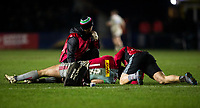 Harlequins medical team attend to Jamie Roberts<br /> <br /> Photographer Bob Bradford/CameraSport<br /> <br /> European Rugby Challenge Cup - Harlequins v Wasps - Sunday 13th January 2018 - Twickenham Stoop - London<br /> <br /> World Copyright &copy; 2018 CameraSport. All rights reserved. 43 Linden Ave. Countesthorpe. Leicester. England. LE8 5PG - Tel: +44 (0) 116 277 4147 - admin@camerasport.com - www.camerasport.com