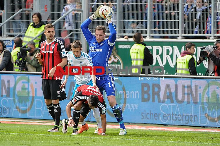 02.04.2016, Audi-Sportpark, Ingolstadt, GER, Bundesliga, 28. Spieltag, FC Ingolstadt 04 vs Schalke 04, im Bild<br /> <br /> Torwart Ralf Faehrmann (FC Schalke 04) 1 und Roman Neustaedter (FC Schalke 04) 33 klaeren vor Dar&iacute;o Lezcano (FC Ingolstadt 04)<br /> <br /> Foto &copy; nordphoto / Schreyer